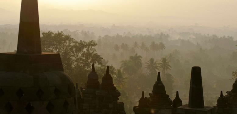 Becaks, Beringhardjo & Borobudur